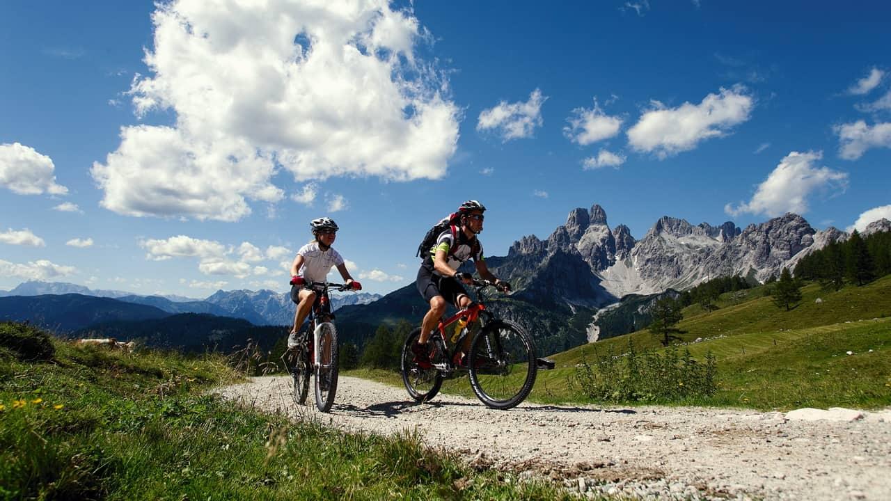 MTB i Salzburger Land Salzkammergut semester cykelsemester i Österrike