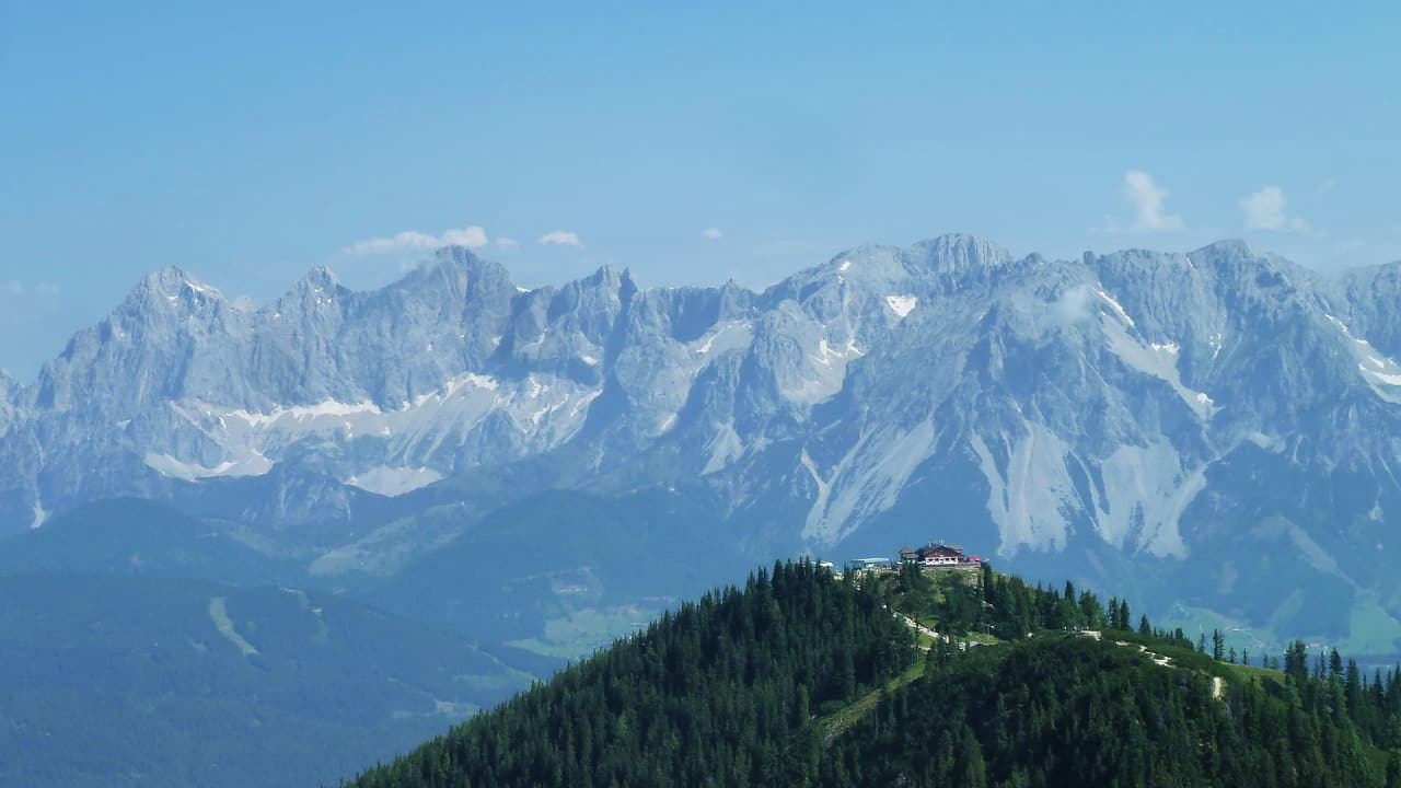 Hochwurzen med Dachstein i bakgrunden © Austria Travel - Rusner