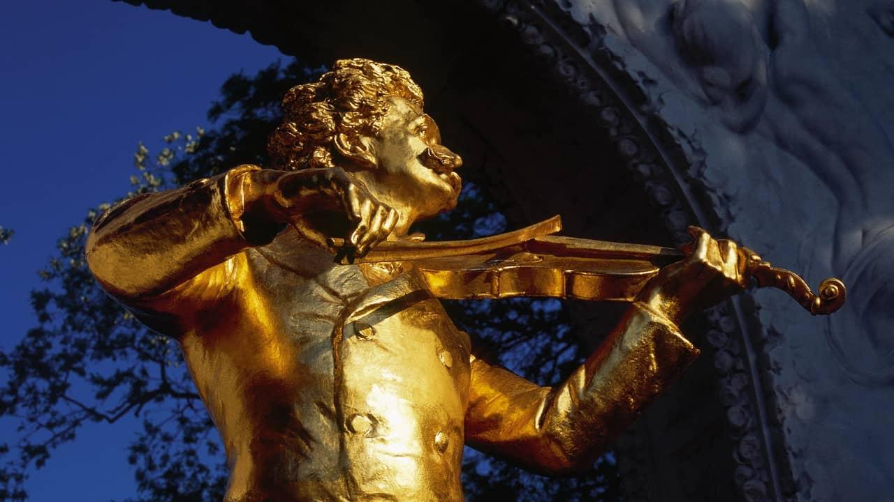 Staty av Johann Strauss den yngre i Stadtpark Wien