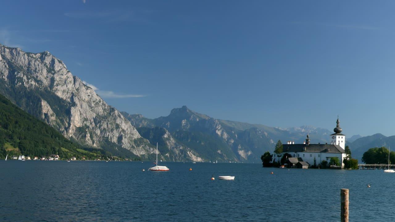 Gmunden vid Traunsee semester i Österrike