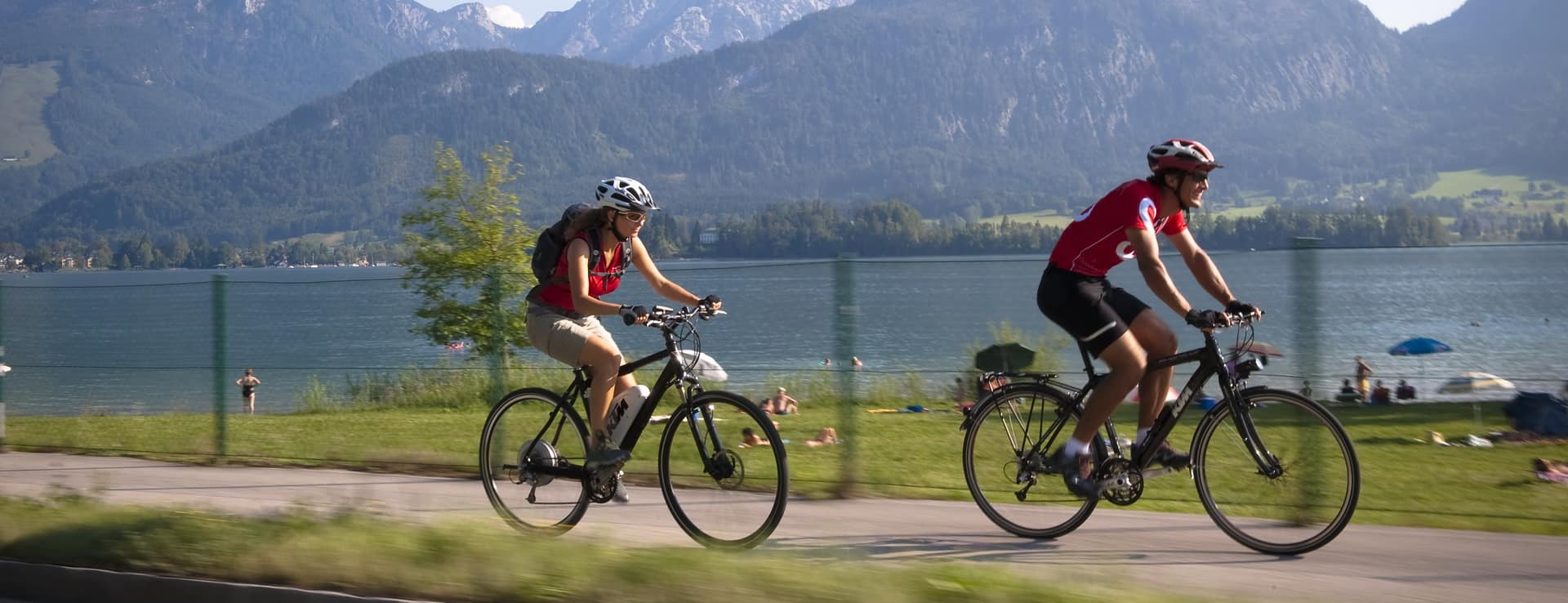 Härlig cykling vid Wolfgangsee Österrike