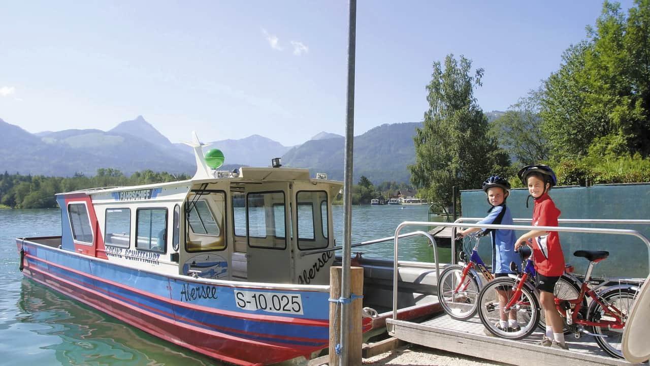 Wolfgangsee cykelfärja - cykla med barn