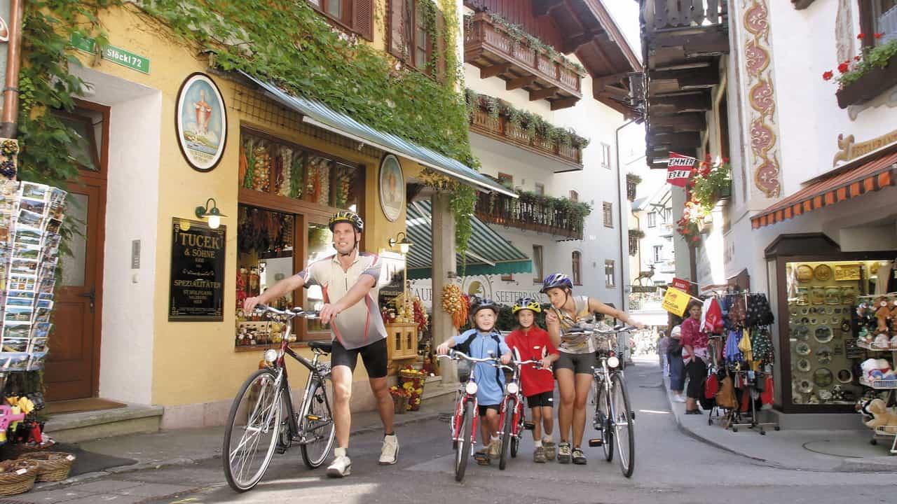 Utforska St Wolfgang med familjen Semester cykelsemester i Österrike