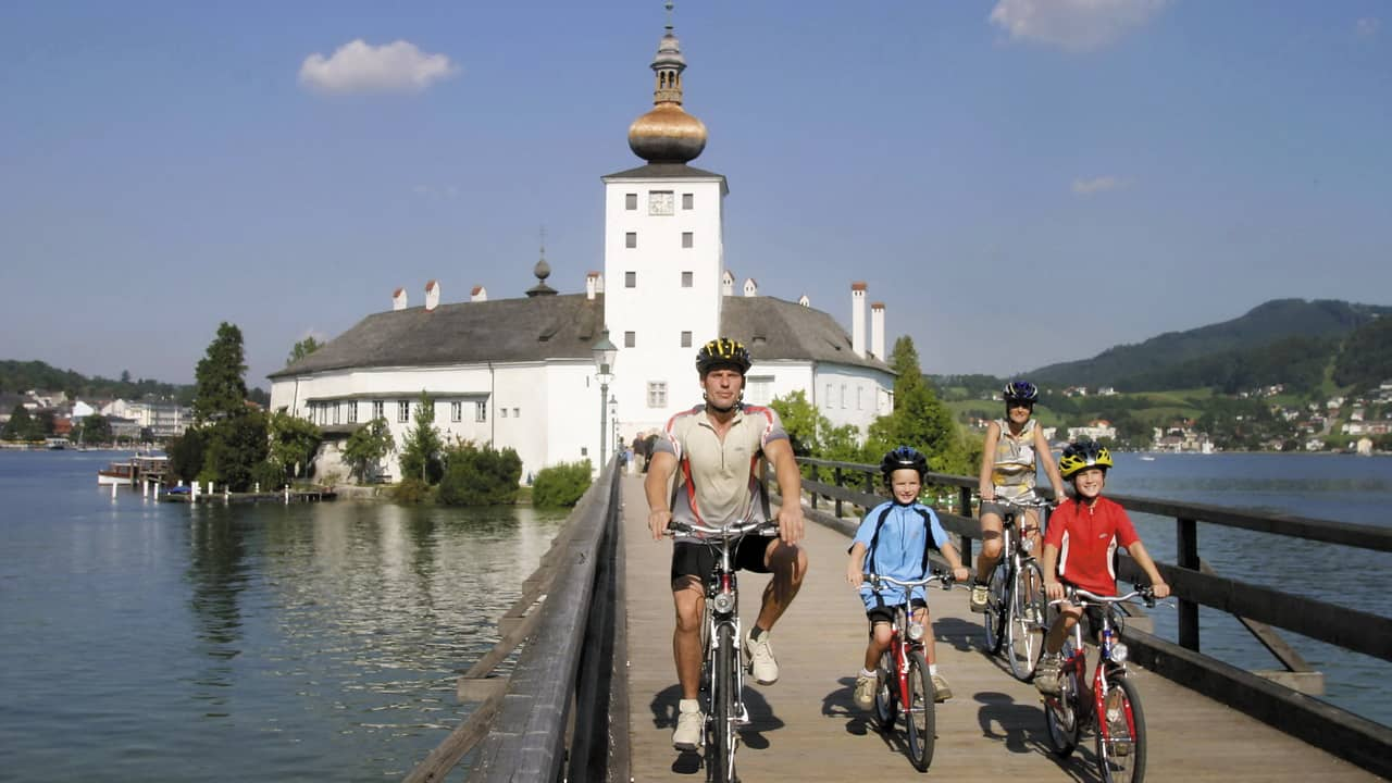 Gmunden och Traunsee slottet seemster i Österrike