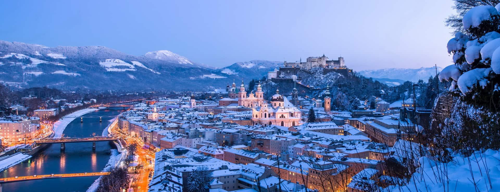 Jul julmarknad Advent adventmarknad Vinter Salzburg semester vintersemester Österrike fästning Hohensalzburg