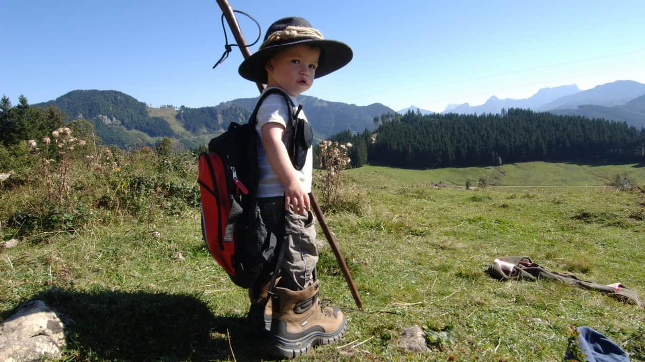 Knatte med vandringsstavar - Vandra i Österrike med Austria Travel
