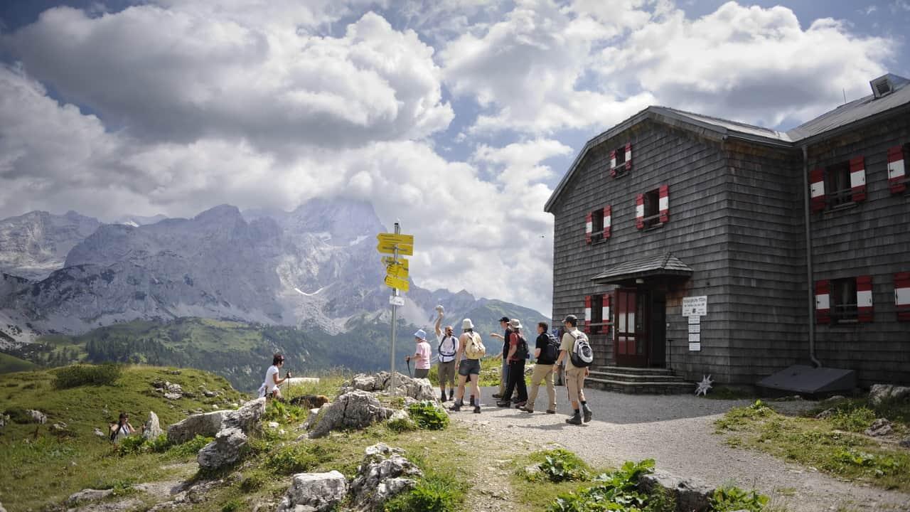 På Hofpürglhütte vandring semester i Österrike