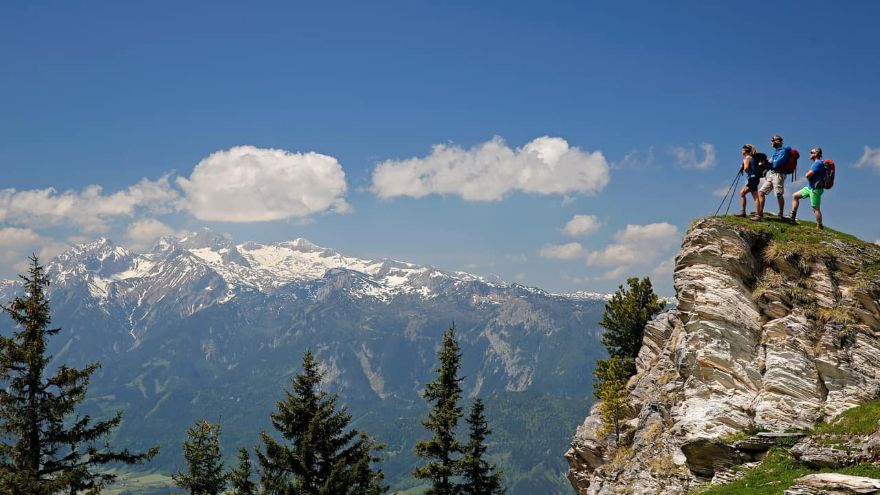 Vandra på Tauern Höhenweg Schladming Dachstein semester i Österrike