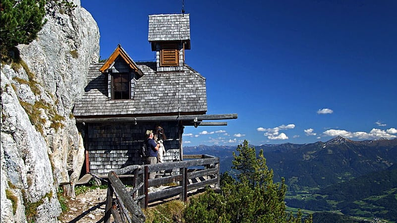 Friedenskirchlein vid Gröbming vandring semester i Österrike