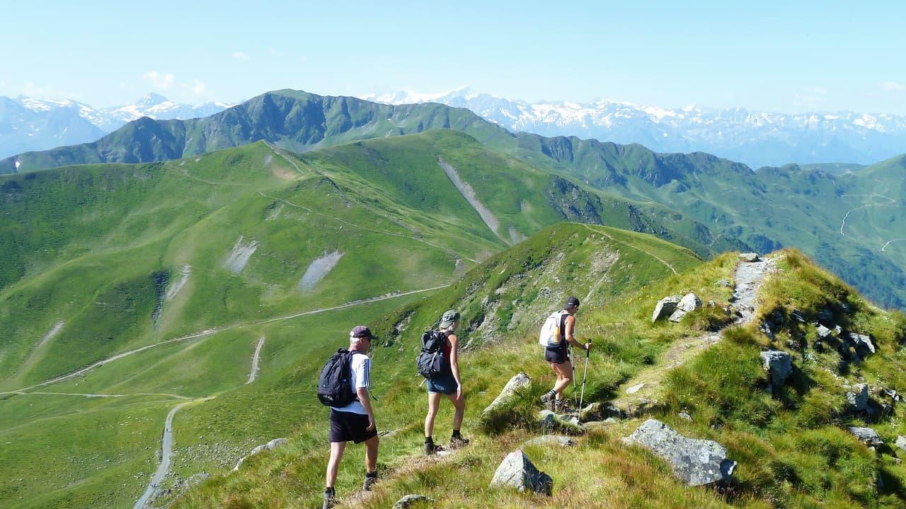 Vandring ovanför Saalbach Hinterglemm i Österrike © Austria Travel - Rusner