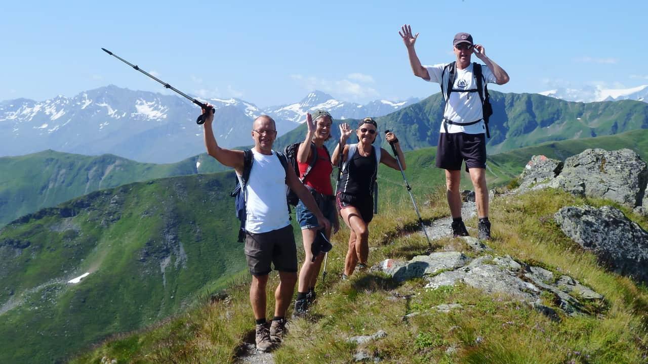 Glada vandrare i Saalbach Hinterglemm © Austria Travel - Rusner