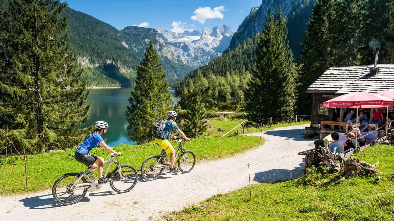MTB i Gosau - cykelsemester i Salzkammergut vid Dachstein Österrike