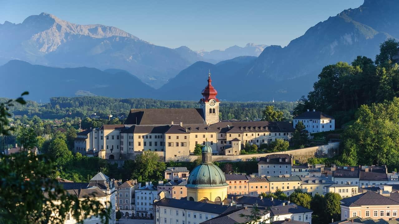 Blick från fästningen Hohensalzburg - Stift Nonnberg Salzburg