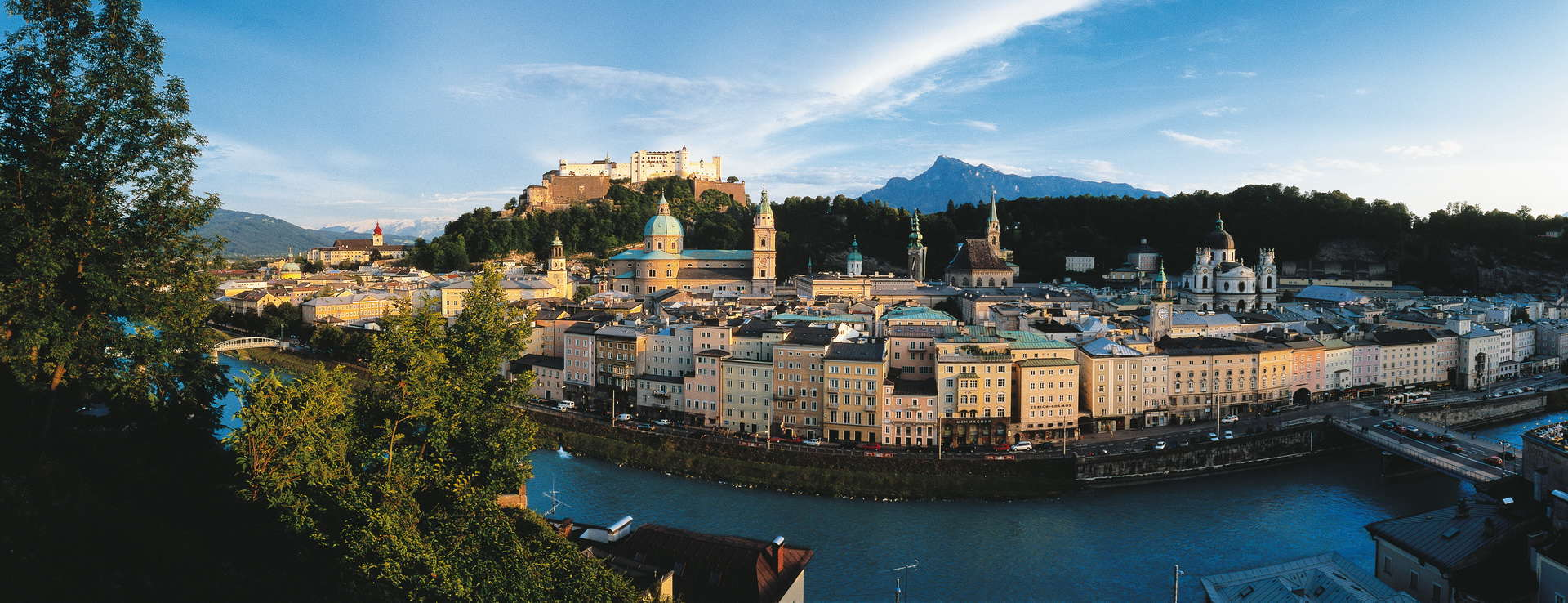 Vy över vackra Salzburg Österrike