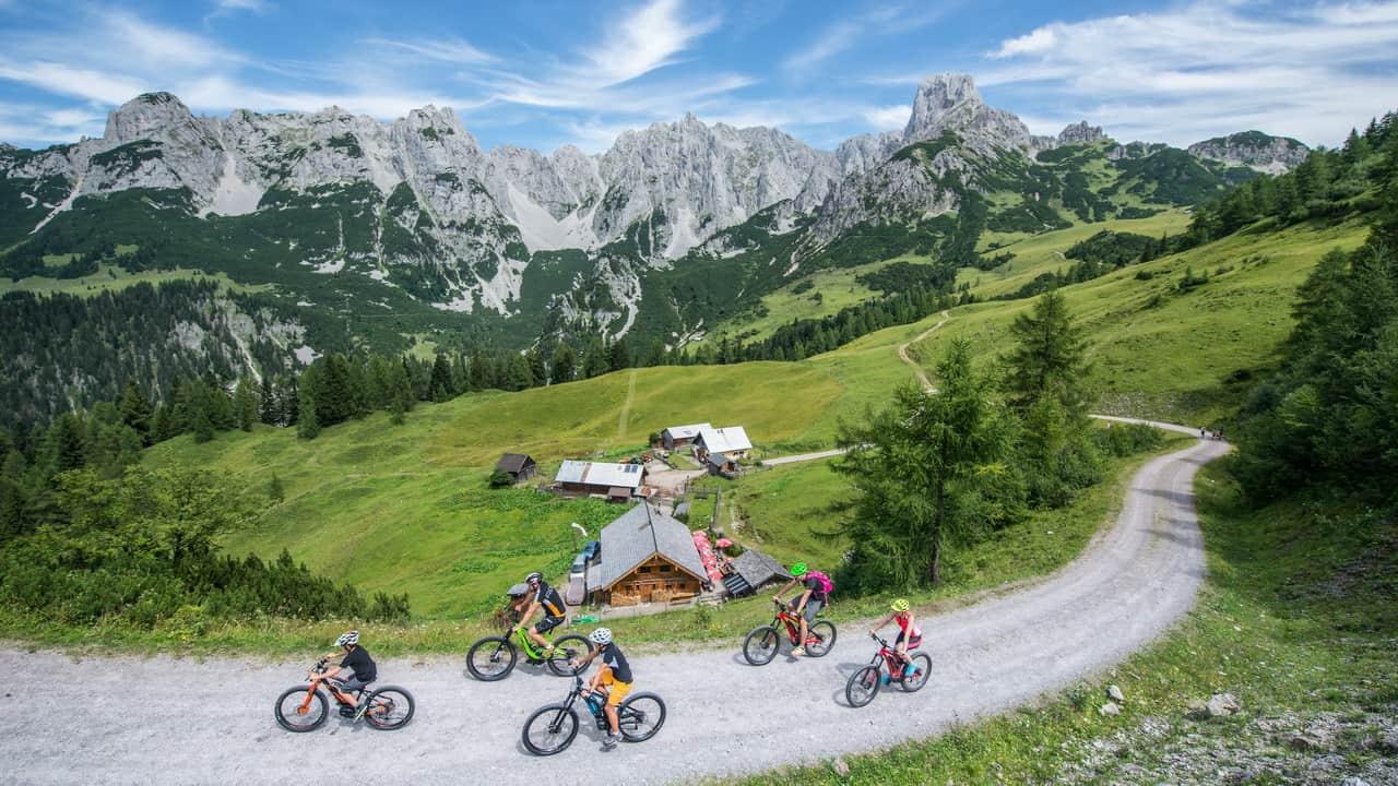 Mountainbiking på Tennengau Dachsteinrunde - Annaberg-Lungötz Semester i Österrike