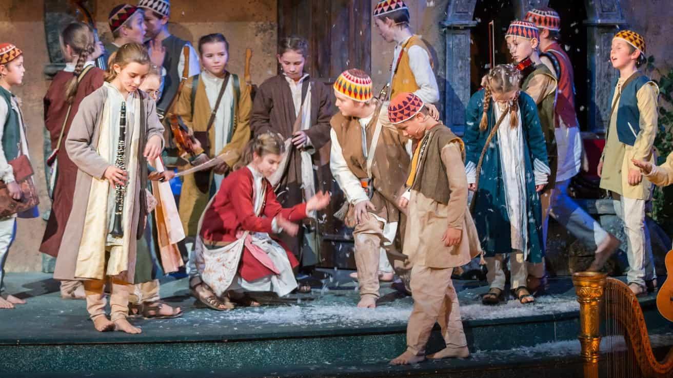 Salzburgs adventskör advent jul Österrike semester vintersemester