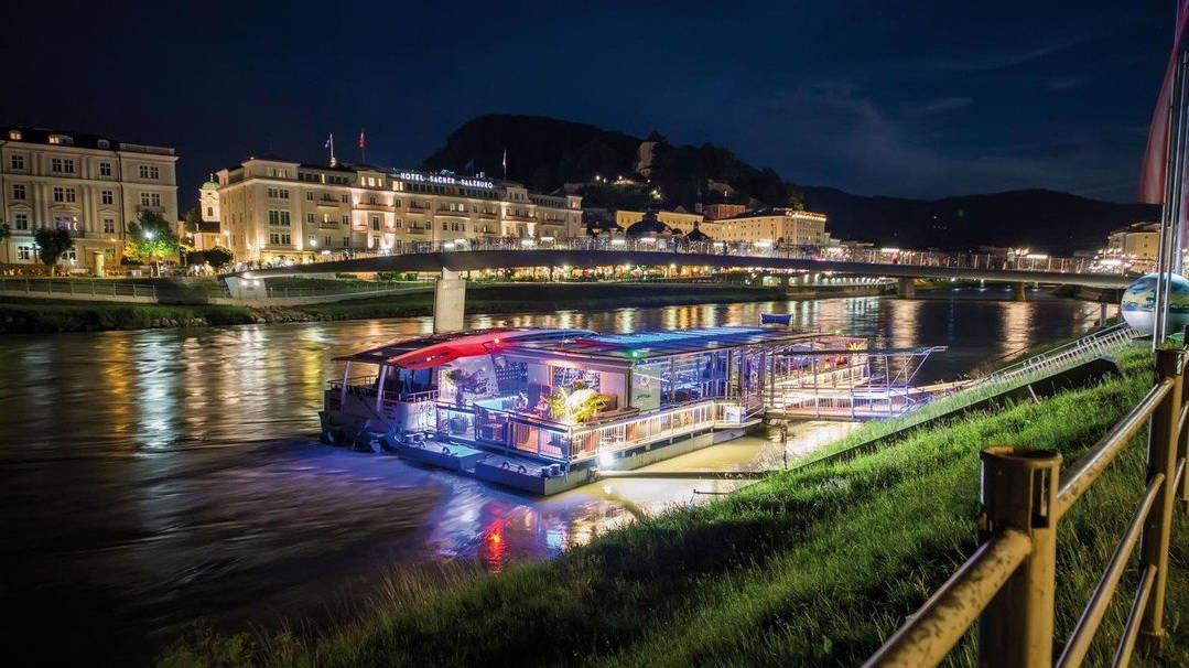 Kvällstour med båt Amadeus på Salzach Salzburg