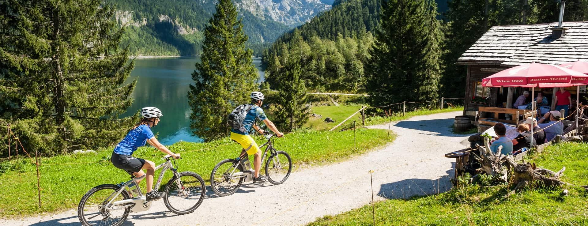 Mountainbiken i Gosau vid Dachstein