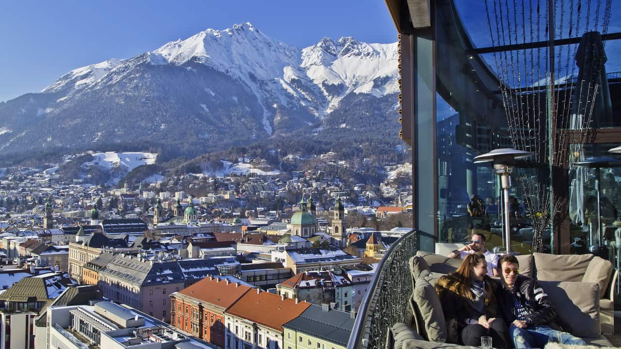Ausblick Adlers Bar Innsbruck Tirol Semester i Österrike