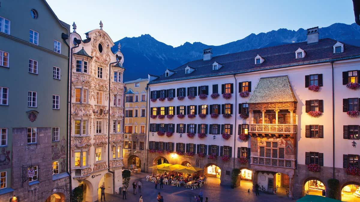 Innsbruck Goldenes Dachl Tirol Semester i Österrike