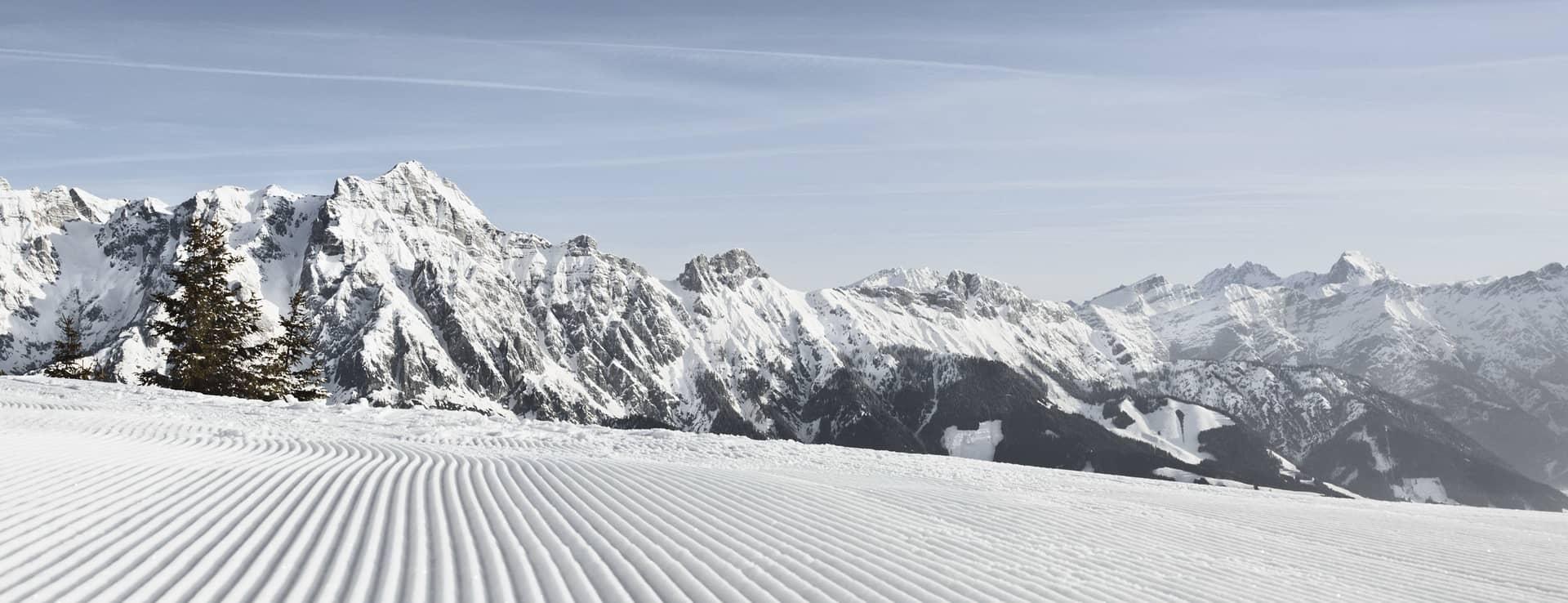 Alpin skidåkning pist Saalfelden Leogang