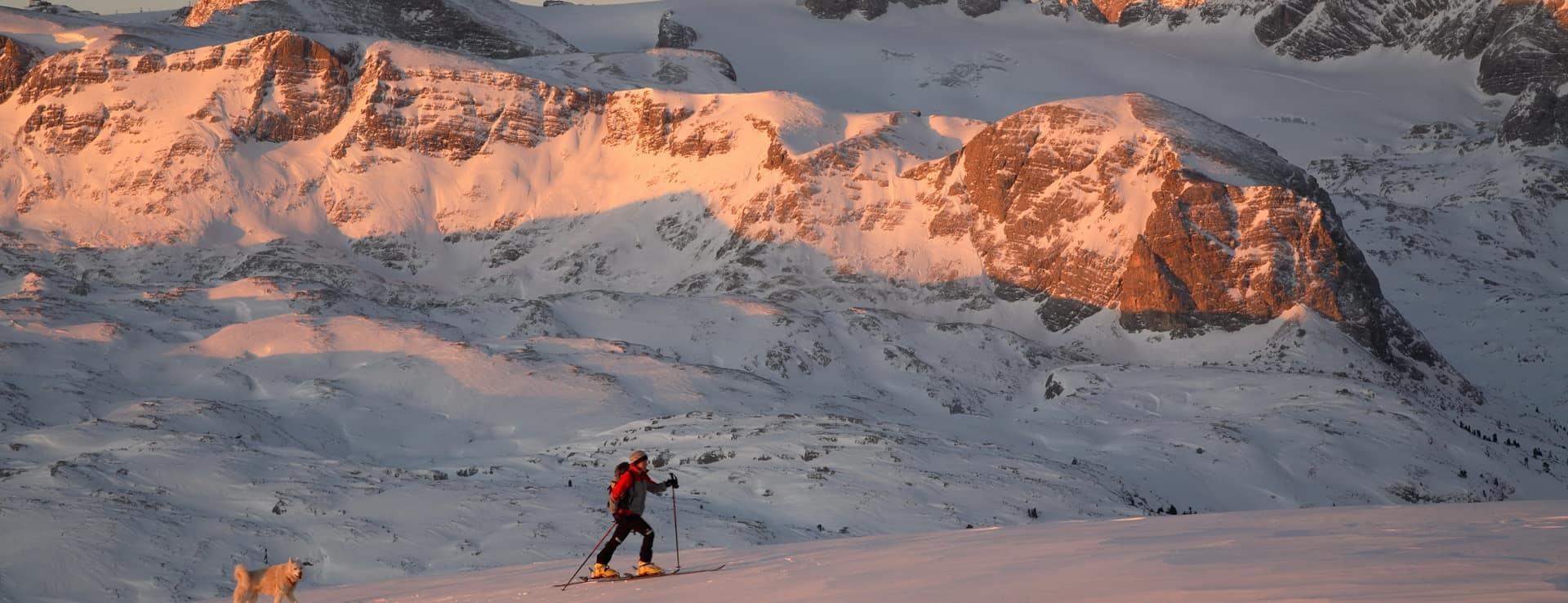 Vintertour vid Krippenstein i skidtourenparadis Salzkammergut
