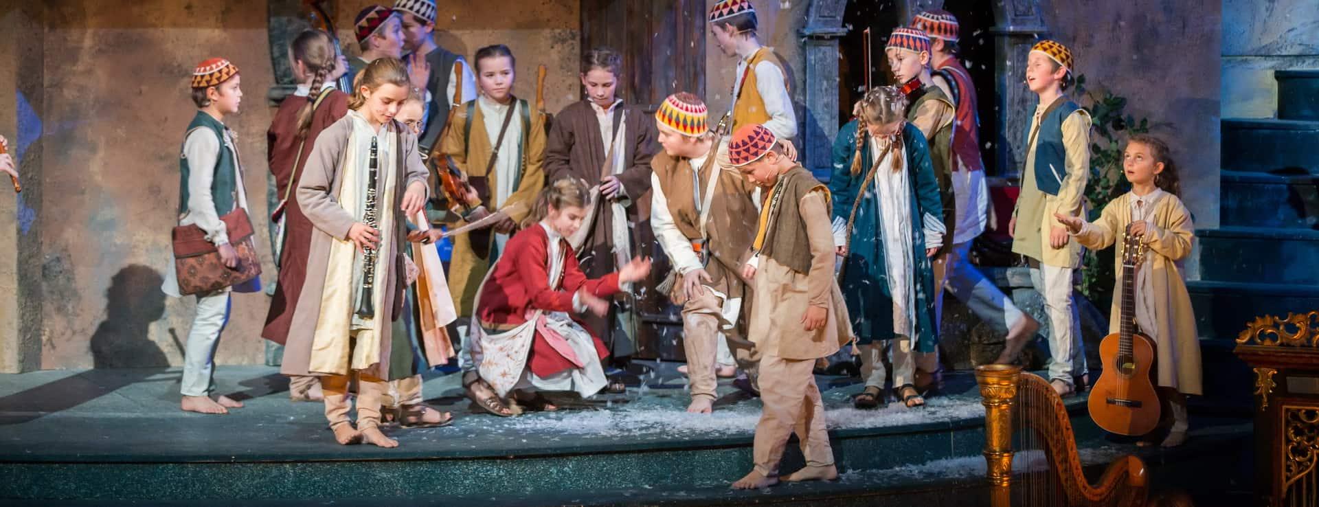 Jul julmarknad Advent adventsmarknad Vinter Salzburg semester vintersemester Österrike Adventkör herdebarn Adventsingen Hirtenkinder