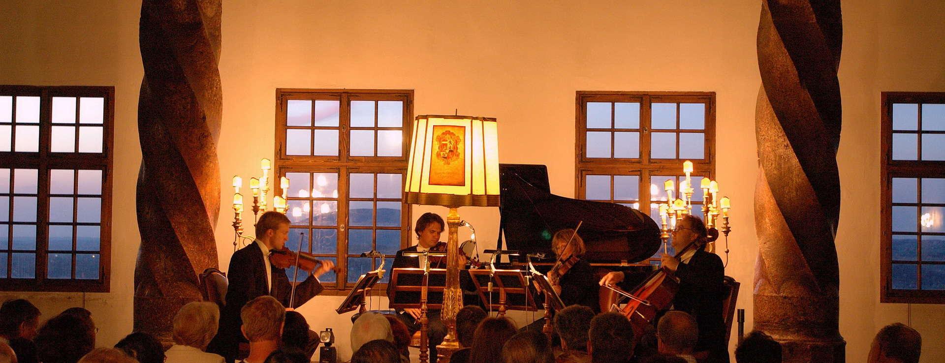 Fästningskonsert på fästning Hohensalzburg i Salzburg Österreich Österrike