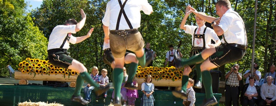 Bauernherbst i Bad Ischl med Trachtenverein - Semester i Österrike med Austria Travel