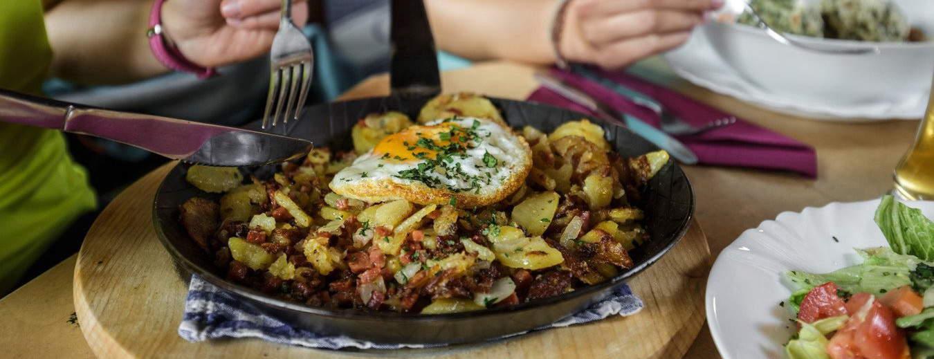 Gröstl Klassiker Kulinarik Semester i Österrike