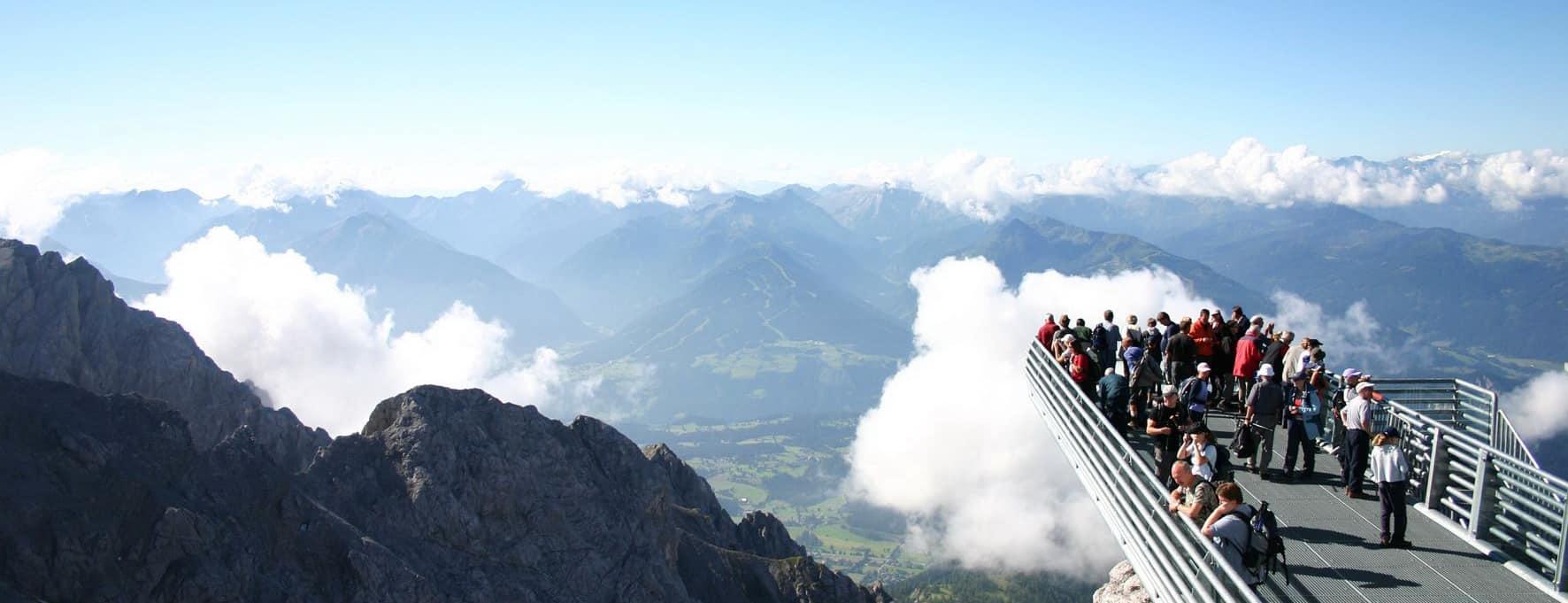 Utsiktsplattform nära Dachsteins topp Semester i Österrike