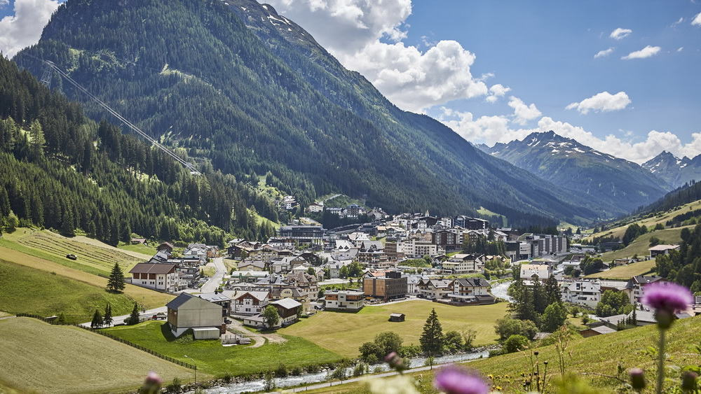 Blick på Ischgl Paznaun Tirol Semester i Österrike