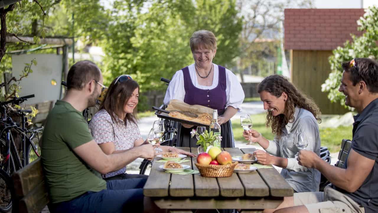 Cykelsemestern apfelstrudel Äpplets hus i Puch bei Weiz