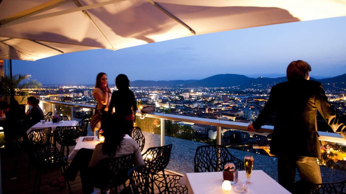 Bar Schlossberg vy på Graz Steiermark Semster i Österrike