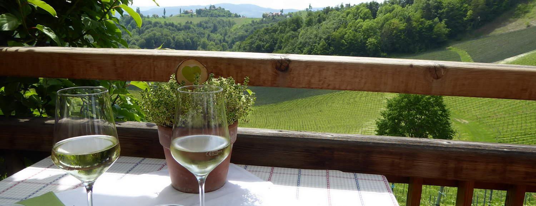Gott vin i Buschenschank -Steiermark © Austria Travel - Rusner Semester i Österrike med Austria Travel