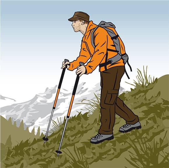 Rätt gång nerför berget med vandringsstavar - Vandra i Österrike med Austria Travel