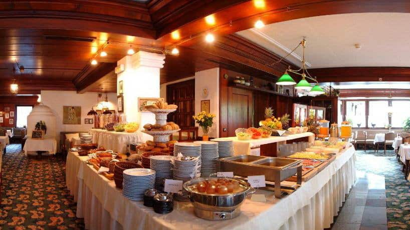 Skidsemester i Bad Hofgastein med Austria Travel - Hotel Alpina - Frukost