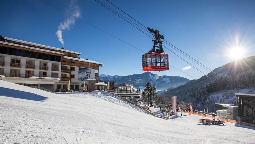 Skidsemester i Zell am See med Austria Travel - Hotel Alpine Resort - Vid kabinbanan