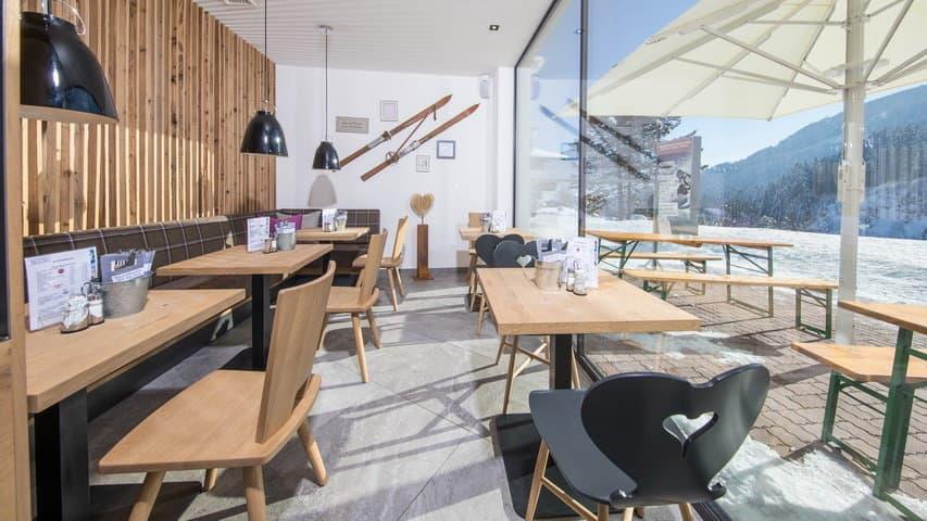 Skidsemester i Zell am See med Austria Travel - Hotel Alpine Resort - Vinterterrassen