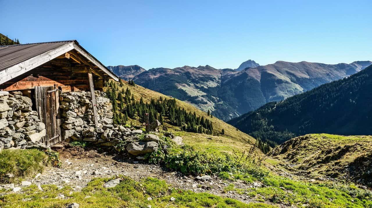Fäbod vid Kreuzjöchlsee - Vandra till Kitzbühel - Austria Travel