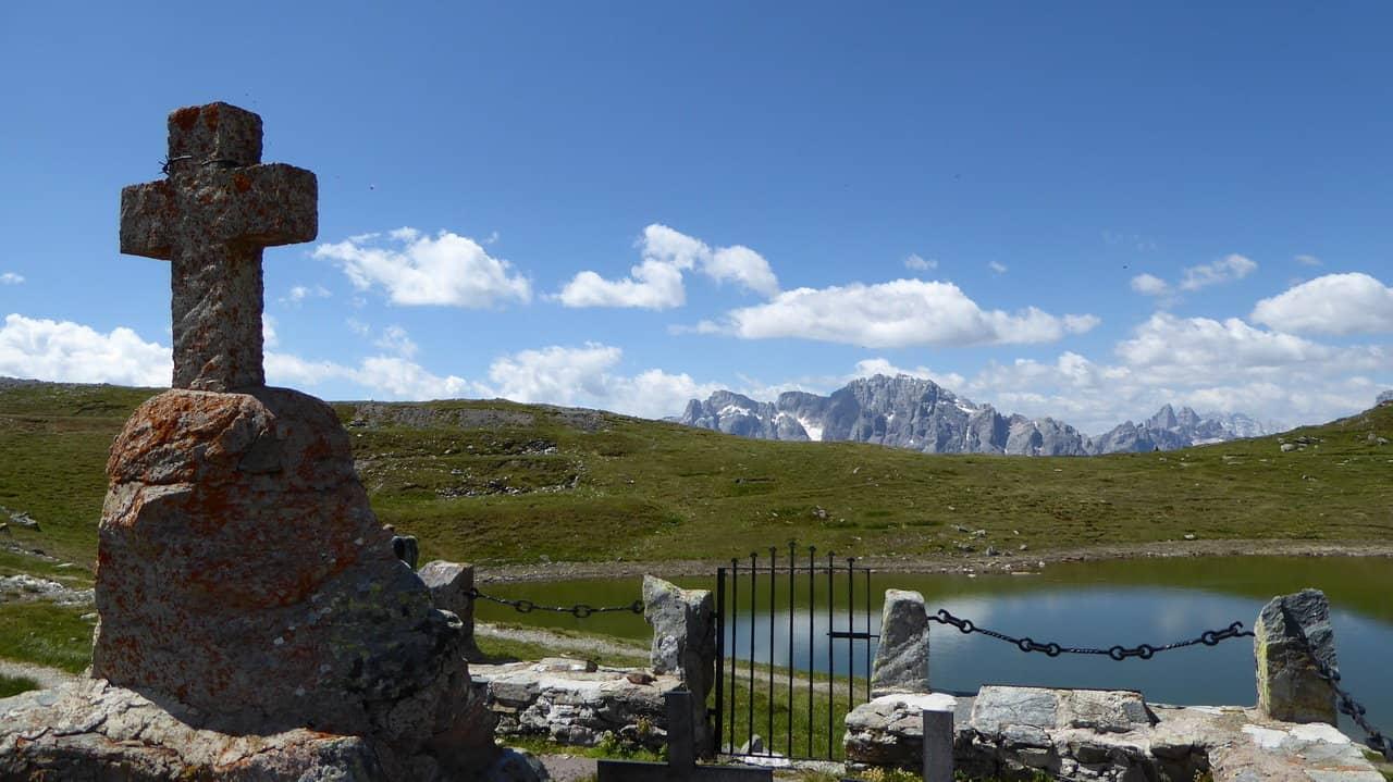 Krigskyrkogård - Dolomiterna