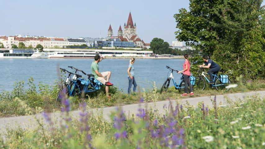Cykling längs Donau från Wien till Budapest