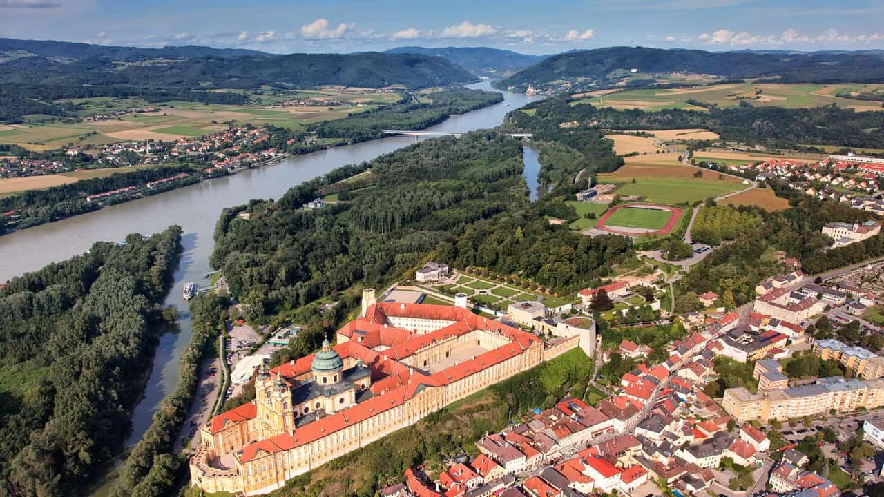 Cykla längs Donau Melk an der Donau