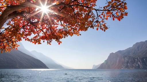 Vandring utsikt Gardasjön