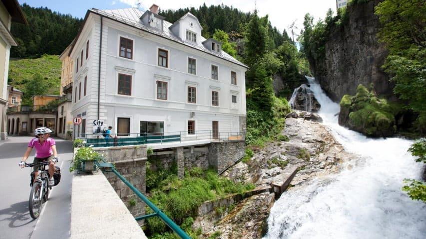 Bad Gastein vattenfall cykling till Grado