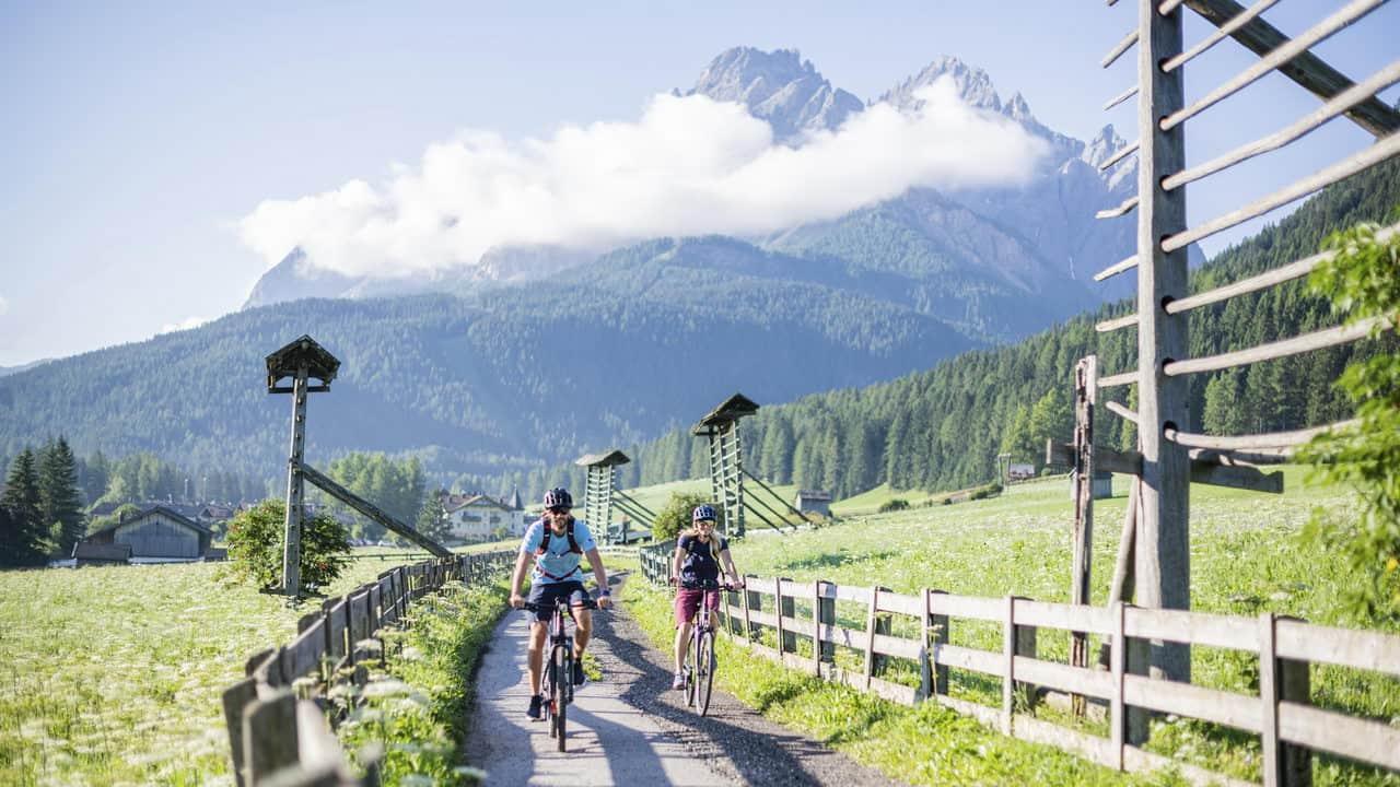 Cyklister vyer MTB Dolomiterna Superbike